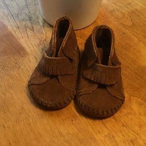 Minnetonka baby shoes/moccasins